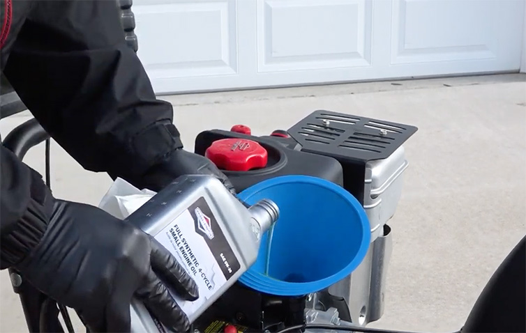 How to Change Your Snow Blower Oil | Briggs & Stratton