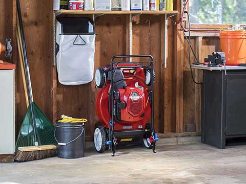 How Mow n Stow Technology Works by Briggs & Stratton